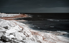 Red Shore (Lolo_) Tags: carro ir infrared rockes rochers red sea mer méditerranée côte bleue coast blue 35mm infrarouge france provence 715nm