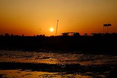 Ocaso (ameliapardo) Tags: ocaso puestasdesol atardeceres alatardcer playa altura portugal cielorojo rojoatadcer fujixt1