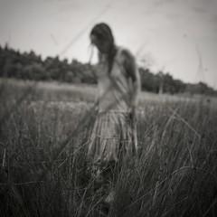 """Rustling among my emotions, I found nothing better than dead leaves."" (soleá) Tags: soleá carmengonzález humanedge portrait swamp woman ophelia mysterious mystery blurry"