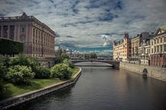 DSCF5068 (MHG17) Tags: stockholm sweden parliament bridge sky clouds