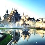 วัดร่องขุ่น - Wat Rong Khun thumbnail