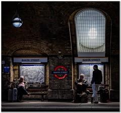 Waiting for the tube (Hugh Stanton) Tags: station lights platform benches baker st appicoftheweek