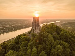 Dragons breathe (mariusmeyer1) Tags: drachenfels königswinter rhein sonnenuntergang rhineriver bonn sunset warmcolors djimavicpro dronephotography