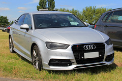 Unknown Medical Organisation Unmarked Audi A3 S-Line Saloon Personal Response Car (PFB-999) Tags: unknown medical medic ambulance paramedic service organisation unmarked plain audi a3 sline saloon silver response blue light car vehicle unit lightbar grilles dashlight leds rescue day 2017