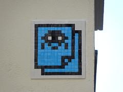 PA 0942 réactivé / Space Invader (Archi & Philou) Tags: spaceinvader pixelart streetart mosaïque réactivation reactivated mosaic carreau tiles paris13 bleu blue