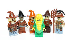 Corn in danger (Vanjey_Lego) Tags: lego minifig minifigs minifigure minifigures scarecrow pop corn