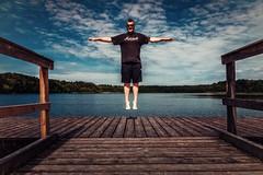I can fly. (rwfoto_de) Tags: neu deutschland ereignisse europa familie gegenstände gewässer landschaften levitation mecklenburgvorpommern objektive personen pentaxda16454 rene see steg urlaub wesenberg de