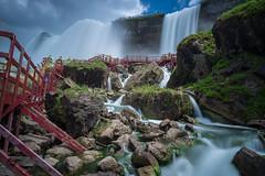 The Mighty Cataract (| ElectricEye |) Tags: niagarafalls americanfalls bridalveilfalls caveofthewinds waterfall cataract newyorkstatepark niagarafallsstatepark usa leebigstopper 10stopndfilter