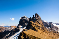Dolomites on Winter - Seceda (andrebatz) Tags: dolomites dolomitas seceda ortisei ski station mountain mountains rock ridge winter snow bolsano hiking blue skies cold landscape extreme skiing italy italia breathtaking nikon d7100 sigma lens summit top