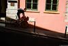 La descente (Maestr!0_0!) Tags: lyon street rue rose pink wall mur velo bike candid people fuji xpro