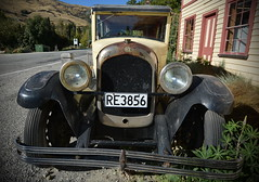 Cardrona Hotel - An old Chrysler to match the old hotel (Lim SK) Tags: cardrona hotel chrysler otago new zealand old