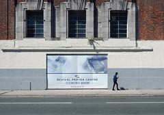 waiting for god.tv (chrisinplymouth) Tags: wall pedestrian street plymouth devon england uk urban cw69x unionstreet ppm 2017 plymgrp city
