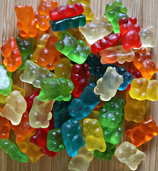 2017: Lotsa Bears (dominotic) Tags: 2017 food lolly candy confectionery sweets gummibears gummybears sydney australia