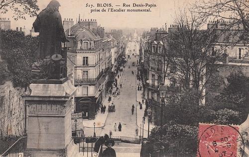 517. Blois. - Rue Denis-Papin prise de l'Escalier monumental (c.1907)