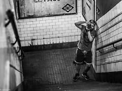 Disparo. (Eugercios) Tags: photographer fotografo chamberi blanco black white negro portrait retrato canon metro madrid españa espanha europa europe spain gente people stairs