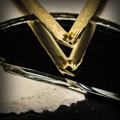 A toothpick broken on a broken mirror on broken paper (Ignacio M. Jiménez) Tags: macromondays broken roto palillodedientes toothpick espejo mirror papel paper ignaciomjiménez