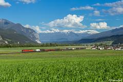 1144 Tandem bei Flaurling (TheKnaeggebrot) Tags: öbb österreichische bundesbahnen reihe1144 reihe 1044 1144 alpenheuler alpenstaubsauger railcargoaustria rail cargo austria güterzug flaurling artbergbahn alrbergstrecke