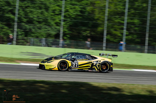 """Lamborghini Huracan GT3 - Barwell Motorsport #77 • <a style=""""font-size:0.8em;"""" href=""""http://www.flickr.com/photos/144994865@N06/34849508764/"""" target=""""_blank"""">View on Flickr</a>"""