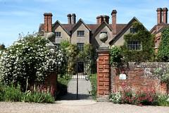 Packwood Gates (Heaven`s Gate (John)) Tags: packwood house gardens national trust architecture gates johndalkin heavensgatejohn history