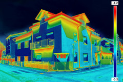 473586364 (satuuntuksemua) Tags: fuelandpowergeneration homeownership buildingexterior efficiency thermogram radiation medicalscanner thermalimage domesticlife surveillance temperature insulation facade cameraphotographicequipment thermometer scientificexperiment constructionframe soundrecordingequipment fumes measuring analyzing globalbusiness illuminated coldtemperature heattemperature energy scale comparison discovery loss architecture technology infrared outdoors image house homeinterior builtstructure pollution heatloss thermovision digitalviewfinder