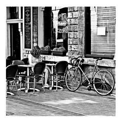 cinnamon girl (japanese forms) Tags: ©japaneseforms2017 ボケ ボケ味 モノクロ 日本フォーム 黒と白 bw bicicleta bicicletta bicycle blackwhite blackandwhite blancoynegro bokeh candid cinnamongirl fiets fietsen monochrome neilyoung radfahren random schwarzweis square squareformat strasenfotografie straatfotografie streetphotography vlaanderen zwartwit