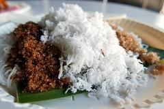 putu mayam street food malaysia (DOLCEVITALUX) Tags: putumayam ïndia penang tamil desert dessert delicacy malaysia philippines streetfood lumixlx100 panasoniclumixlx100 sometimessavory mallofasia india