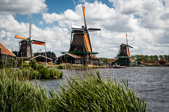 Historic windmills (Maximilian Kauß) Tags: 2017 canonn eos 650d raw stm windmill windmills windmühlen himmel sky wasser water efs18135mm dslr zaanse schans the netherlands niederlande holland typisch tipical sommer summer travel traveling urlaub kurzurlaub holiday reise landschaft landscape landleben natur nature clouds wolken amazing europa europe windkraft power plant museum zaanstad noordholland amsterdam