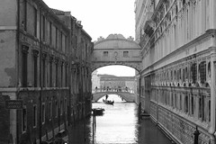 Venice (updownmo) Tags: blackandwhite venice historicalbuildings building bridge architecture windows water boats people photography columns arches light naturallighting buildings sky