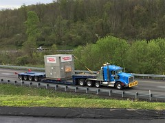 KW with dropdeck trailer, Belle Vernon, PA. 4-25-2017 (jackdk) Tags: truck tractor tractortrailer semi semitruck semitrailer dropdeck lowboy kw kenworth kwopper heavyequipment route51 curtiswright heavyload heavyduty wideload