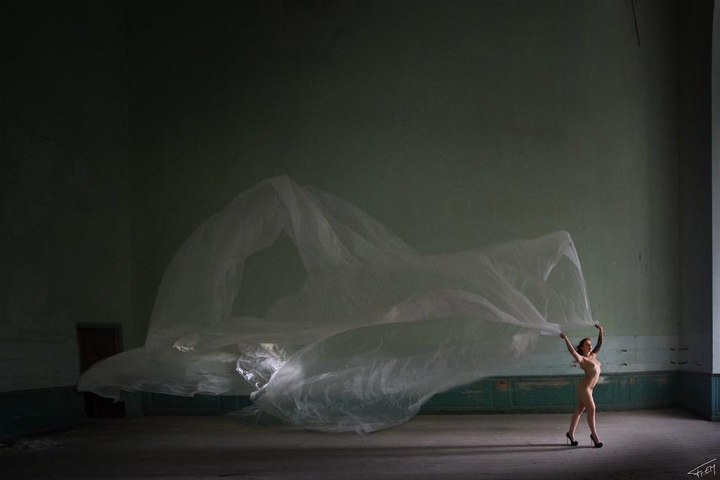 The world 39 s best photos of frem flickr hive mind - Tatouage femme sensuelle ...