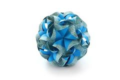 C днем рождения, Маша! (ronatka) Tags: kusudama modularorigami nataliaromanenko rectangle blue birthday gift efs18135mmf3556is whitebackground 60degreeunit inexplore