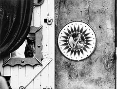 La tenda e lo specchio (gianclaudio.curia) Tags: bianconero blackwhite pellicola nikon nikonfm3a nikkor10525 specchio tenda parete immagineriflessa kodak kodaktrix sviluppo rodinal agfa ilfordmultligradeivrcdeluxe ilford ingranditore cameraoscura meopta meoptaopemusmultigrade