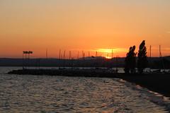 Lago di Bolsena (danielebenvenuti) Tags: lake lago sunset tramonto relax pace barche boat acqua water panorama veduta scenario scenery view lanscape canon canon700d reflex lazio bolsena italia italy cielo sky nuvole clouds