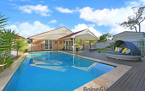 24 MacDougall Cr, Hamlyn Terrace NSW 2259