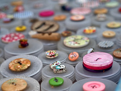 - buttons for rong - (-wendenlook-) Tags: color colors knöpfe buttons bokeh olympus omd em5ii 4518 90mm 1600 f32 iso200
