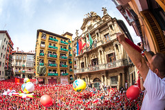 "Javier_M-Sanfermin2017060717022 • <a style=""font-size:0.8em;"" href=""http://www.flickr.com/photos/39020941@N05/35587524942/"" target=""_blank"">View on Flickr</a>"