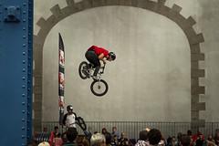 Dans les airs (pertinal) Tags: ridingindoorshow bmx capucins brest