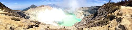 Kawah Ijen, East Java, Indonesia.  #indonesia #java #eastjava #kawahijen #volcano #sulfer #gaz #favoritespot #landscape #nofilter #ilovejava #iloveindonesia