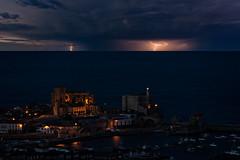 Noche de tormenta (Carpetovetón) Tags: rayos tormenta orage storm noche anochecer night cielo sky mar marcantábrico marina costa cantábrico castro castrourdiales cantabria nikond610 sigma120400 europa españa