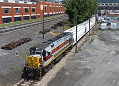 Laurel Line Local (Erie Limited) Tags: delawarelackawanna scrantonpa alco c425 dl2452 train railfan railroad