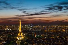 Sous le ciel de Paris (MF[FR]) Tags: sky city sunset clouds europe urban architecture cityscape lights paris france skyline dawn long exposure eiffel tower landmark samsung tour pose longue ciel nuage lumières îledefrance la défense nx1
