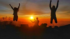 Atardecer en Rupac (pattyesqga) Tags: travelgirl mountains outdoor viajera wanderlust backpacker lima rupac sunset atardecer silloutte trekking caminata senderismo perú peruana peruvian travel trip roadtrip southamerica latinoamerica latina jumping happy