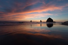 Sunset at Pacific Ocean (RaminN) Tags: sunset ocean clouds haystackrock oregon usa cannonbeach pacificnorthwest