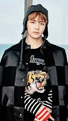 V [BTS] (Snob_Mushroom) Tags: erayouneverwalkalone eraspringday eranottoday bts kpop korean man v 뷔 kim tae hyung taehyung 김태형 bangtan boys