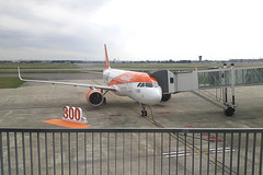 20170614_104134 (Roger Brown (General)) Tags: a320 neo new engine option is easyjets latest purchase their fleet 300th airbus purchased by easyjet has leap 1a leading edge aviation propulsion engines fitted collected from delivery centre toulouse flown via orly back luton 14th july 2017 orange roger brown canon sx610 hs