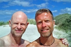 Beach memories (mikael_on_flickr) Tags: beachmemories memories ricordi beach strand spiaggia mikael friends amici men männer uomini hommes hombres summer estate sommer rødhus