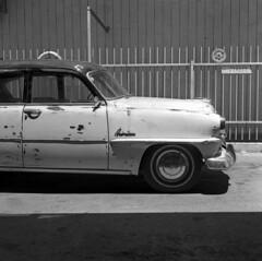 Plymouth Belvedere Overdrive (Ilya.Bur) Tags: plymouth belvedere overdrive minolta autocord 6x6 rokkor 75mm f35 kodak trix 400 caffenolcl analog 120 medium format film bw monochrome blackwhite
