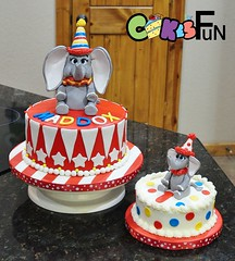First birthday with Dumbo Elephant (bsheridan1959) Tags: birthdaycake kidscake fondantdumbo dumboelephant elephantcaketopper smashcake firstbirthdaycake
