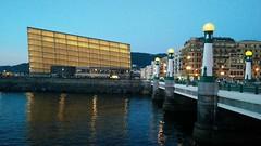 Kursaal (Ritxifoto) Tags: city donosti sansebastian edificios farolas puentes ría bridge lights citylights water atardeceres river sunset kursaal