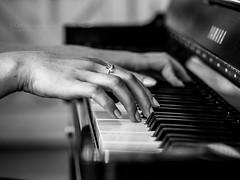 Hand Project - Pianist (www.jkm-photographie.com) Tags: photographestrasbourg bland femme noir photoderue jkmphotographie julienkam streetphoto wwwjkmphotographiecom projet pianiste mains hand project jeune pianist strasbourg alsace france soundtrack